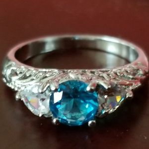 New gorgeous silver and blue ring size 7